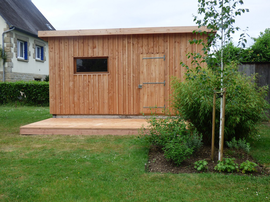 atelier de jardin en ossature bois + petite terrasse