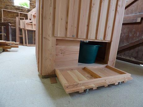 trappe d'accés toilettes sèches
