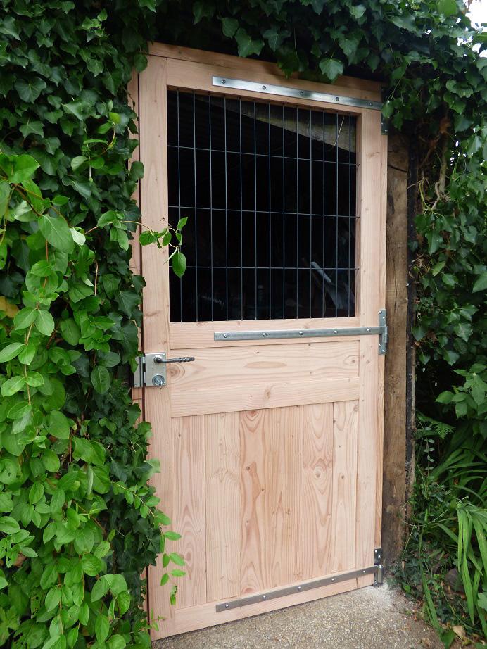 porte abri à bois sur mesure